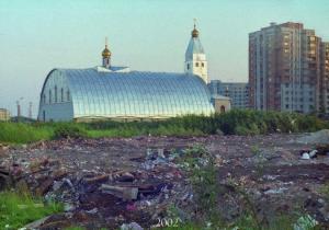 Храм в честь Тихвинской иконы Божией Матери 2002 год